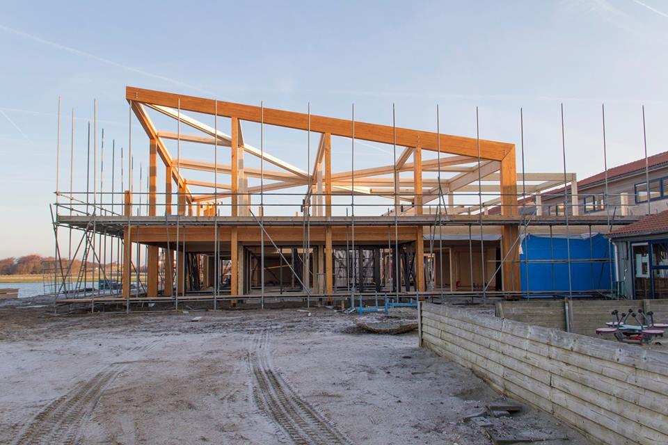 Centrumgebouw Zeil- en Surfcentrum (Brouwersdam) - in aanbouw