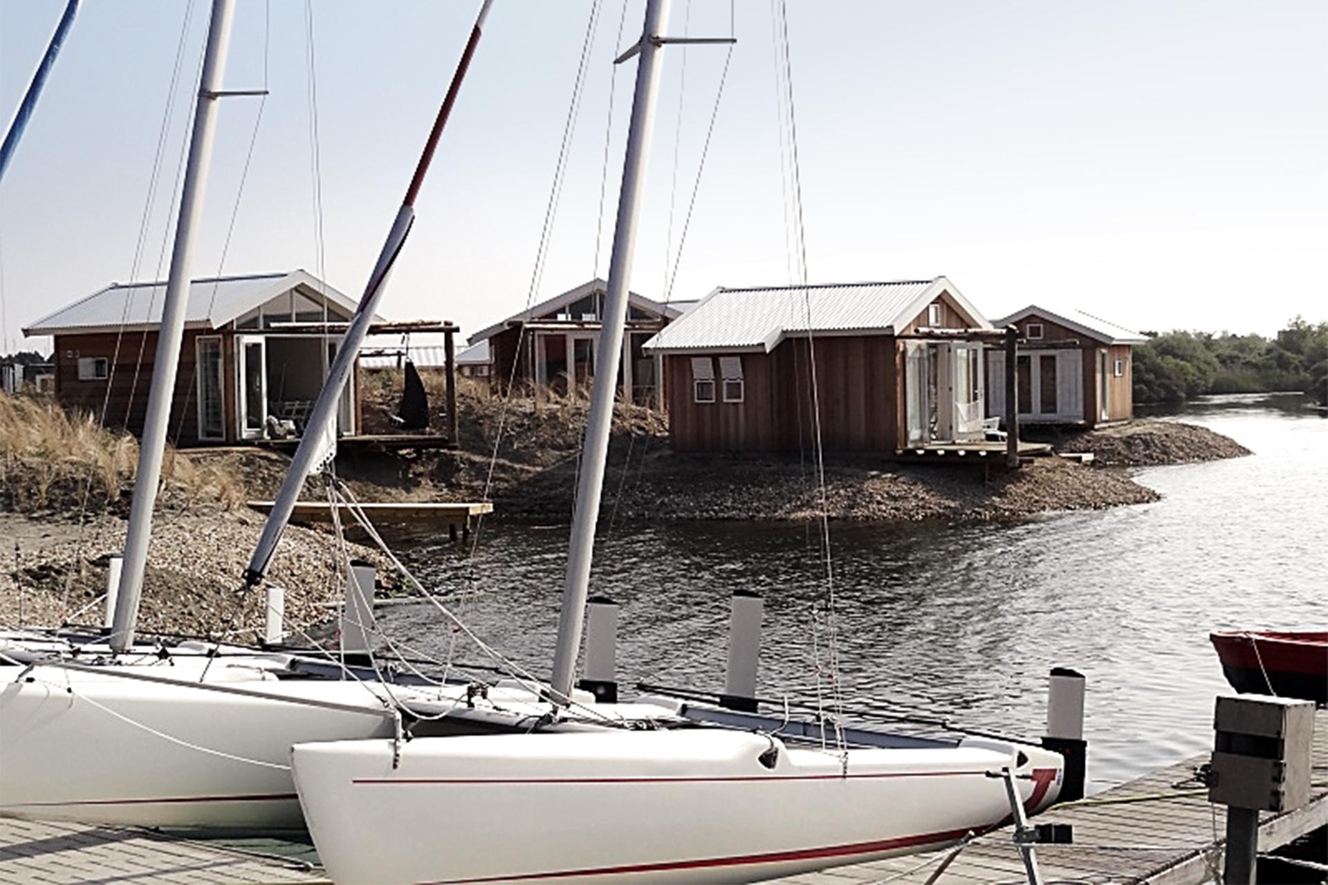 Beach Lodges Zeil- en Surfcentrum (Brouwersdam) - lodges