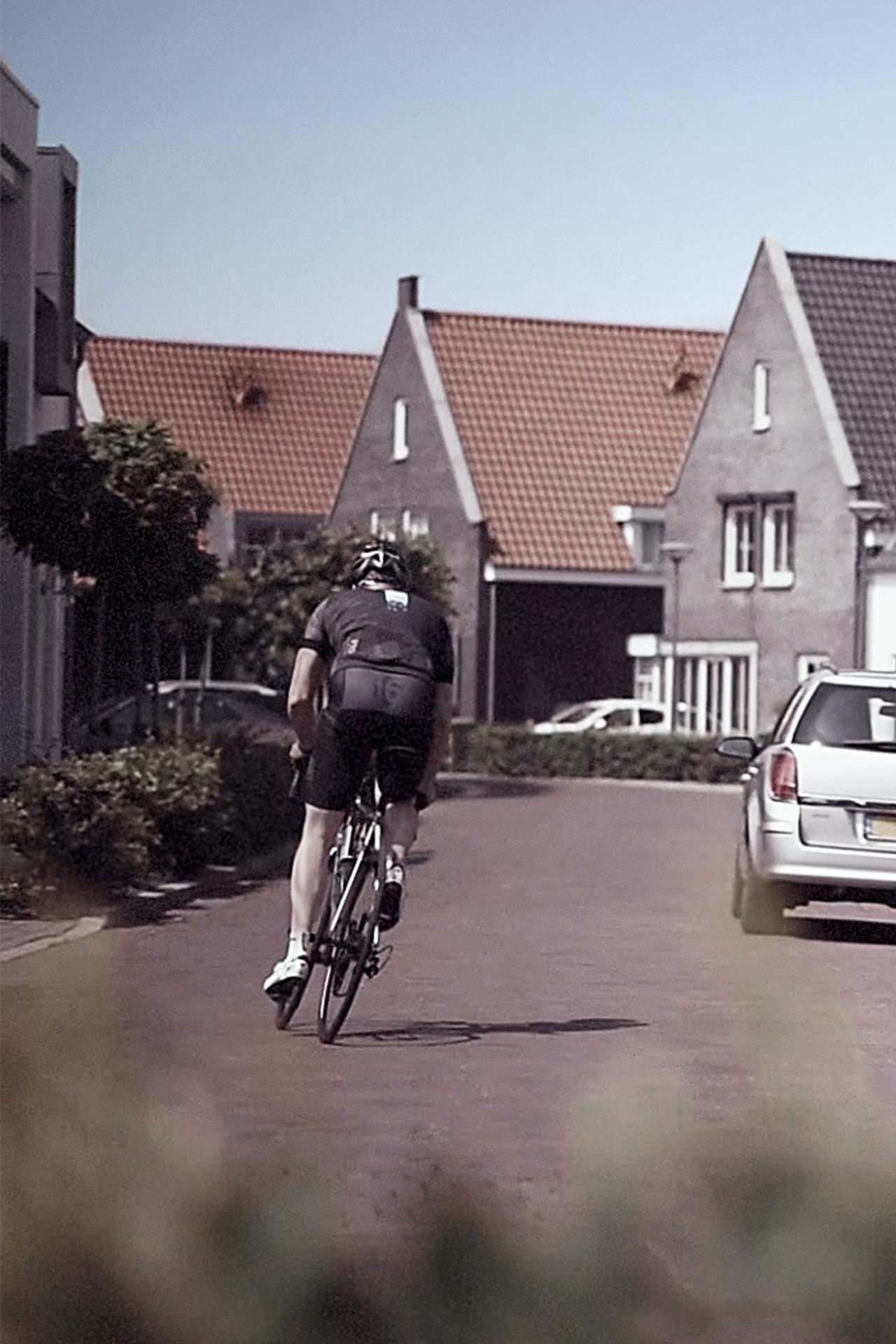 Welgelegen (Ouddorp) woningbouw - wielrenner