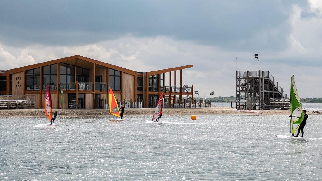 Zeil- en Surfcentrum (Brouwersdam) - centrumgebouw