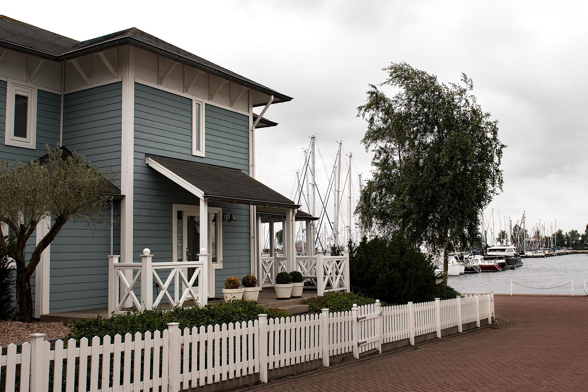 Cape Helius (Hellevoetsluis) - architectuur nabij de haven