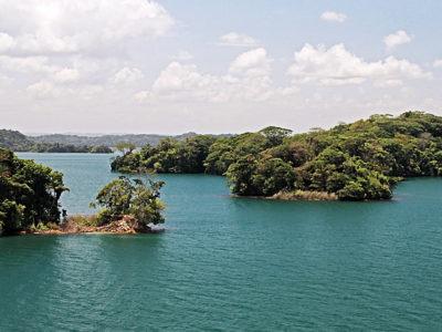 Gatunmeer (Panama) - baai in de omgeving