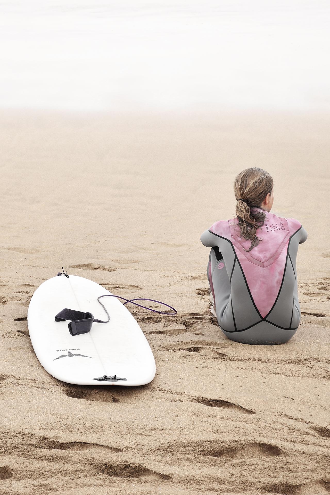 surfer op het strand